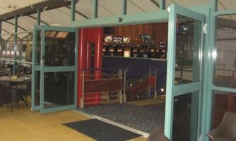 Puertas deslizantes automáticas para vías de escape o evacuación / G-U