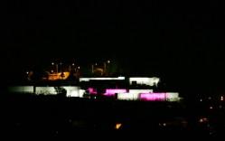 Fachada iluminada Cementerio de Quillota - schreder