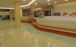 Instalación de pisos Armstrong y Tarkett Casino ACHS / Integral Design