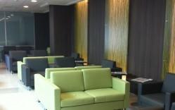 Piso vinílicos y revestimiento 3form en Clinica UC / Integral Design