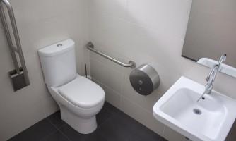 Baños para personas con discapacidad / Wasser